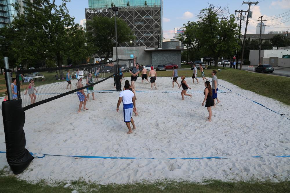 061116 - Broker Volleyball Tournament (280).JPG