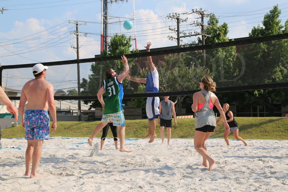 061116 - Broker Volleyball Tournament (374).JPG