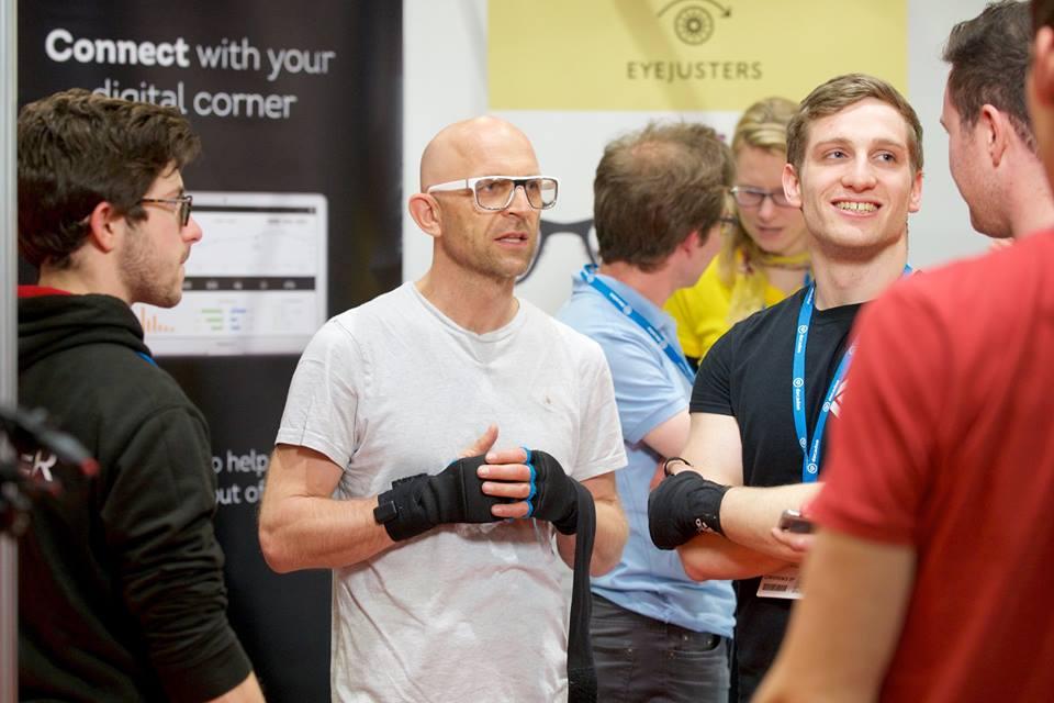 The Corner guys explaining the technology to the Gadget Show's Jason Bradbury.