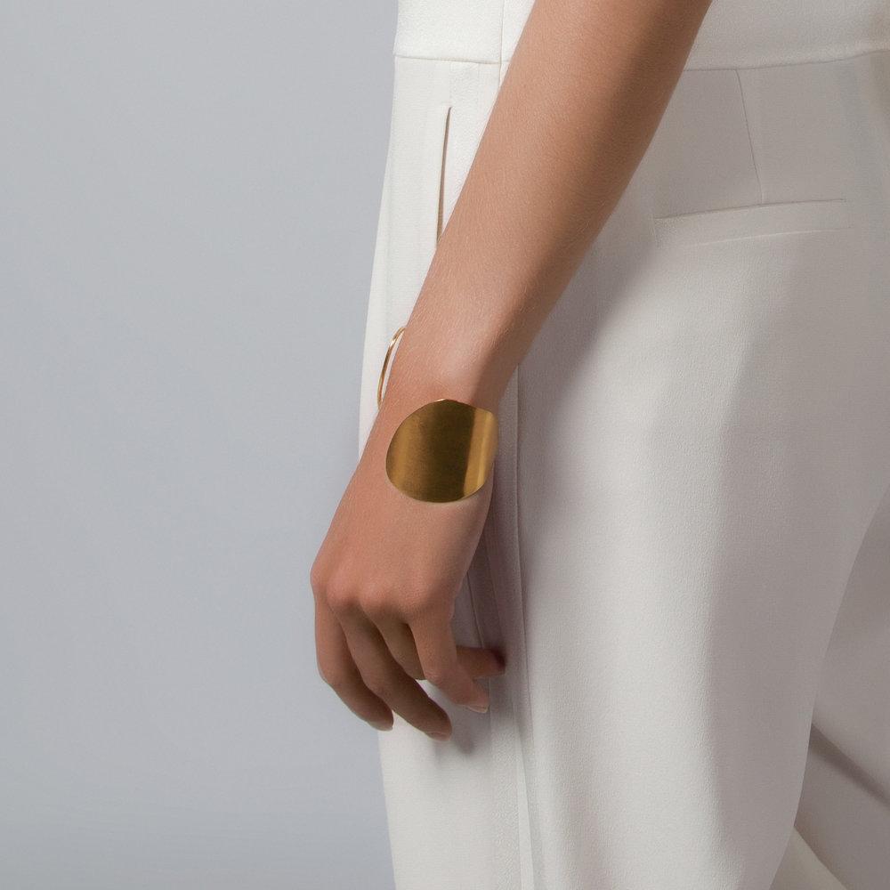 modern gold bangle