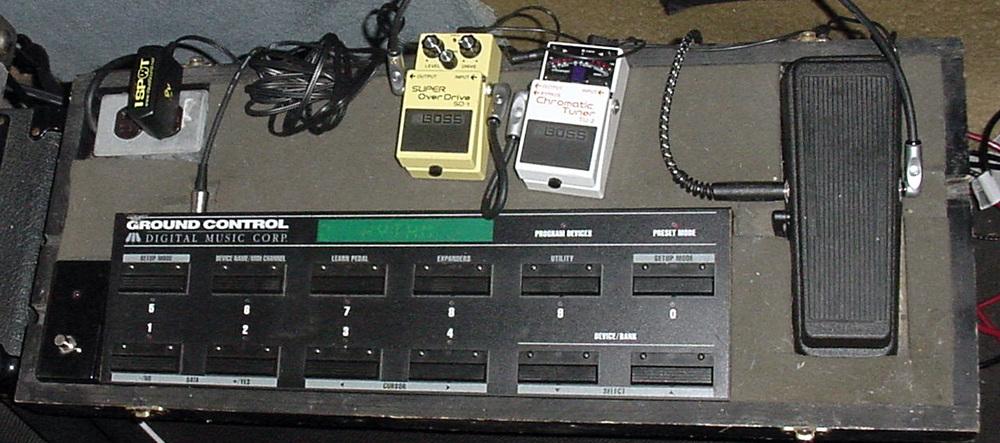 pedal board close.jpg
