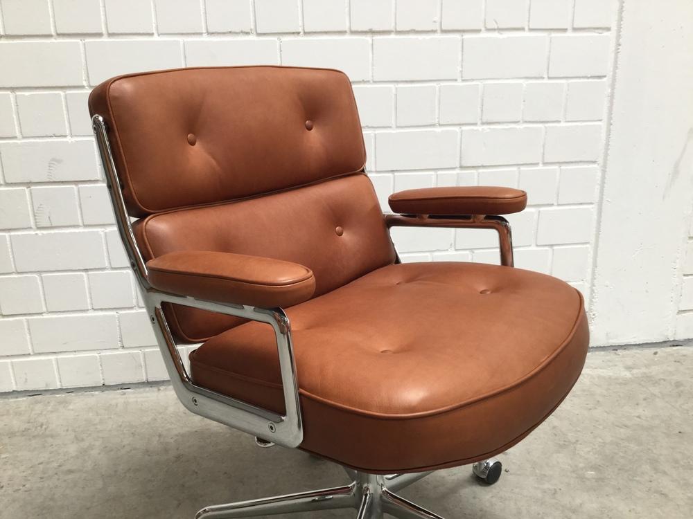 Vitra Lobby Chair IMG_0375.JPG