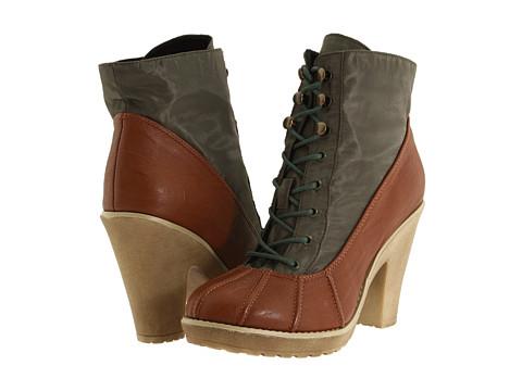 Gabriella Rocha Duckee Duck Boot