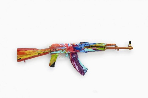 damien-hirst-ak47-peace-exhibition-01