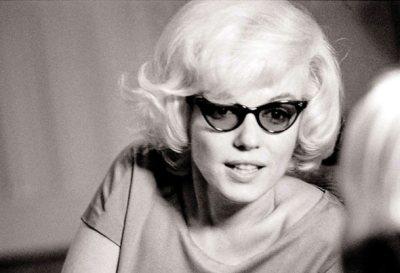 Marilyn Monroe in cat eye sunglasses