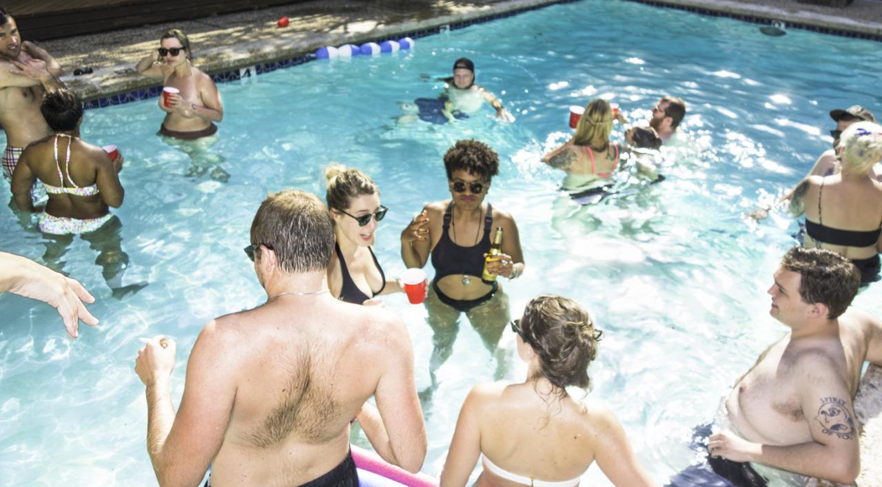 Pool party, Austin