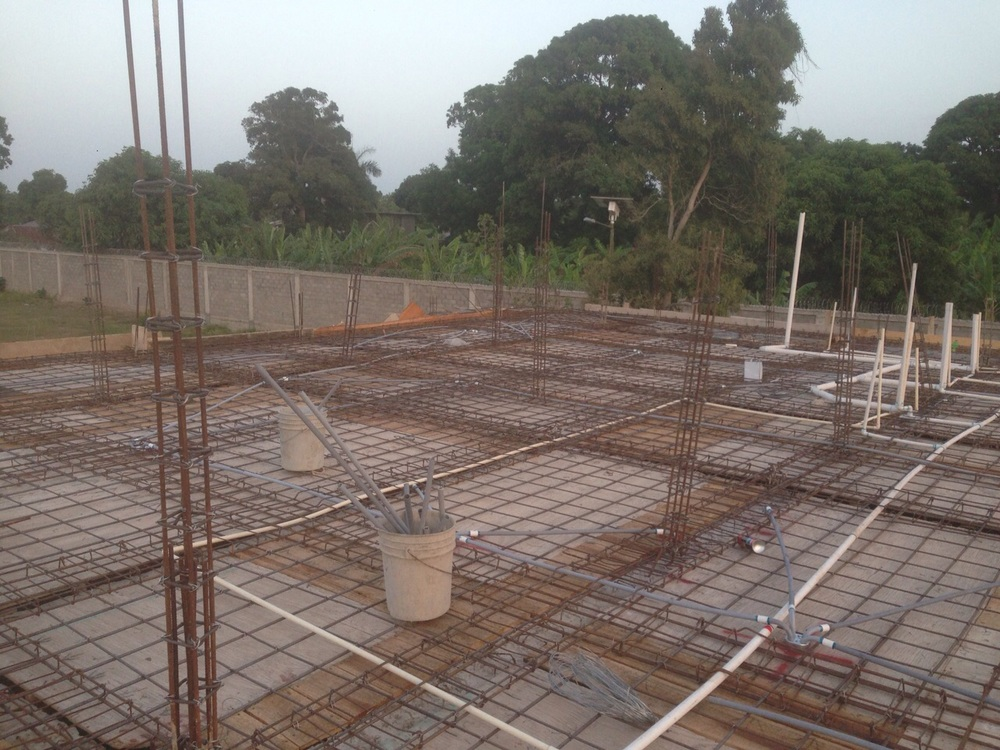 Guesthouse - Preparing for roof then on to 2nd floor construction