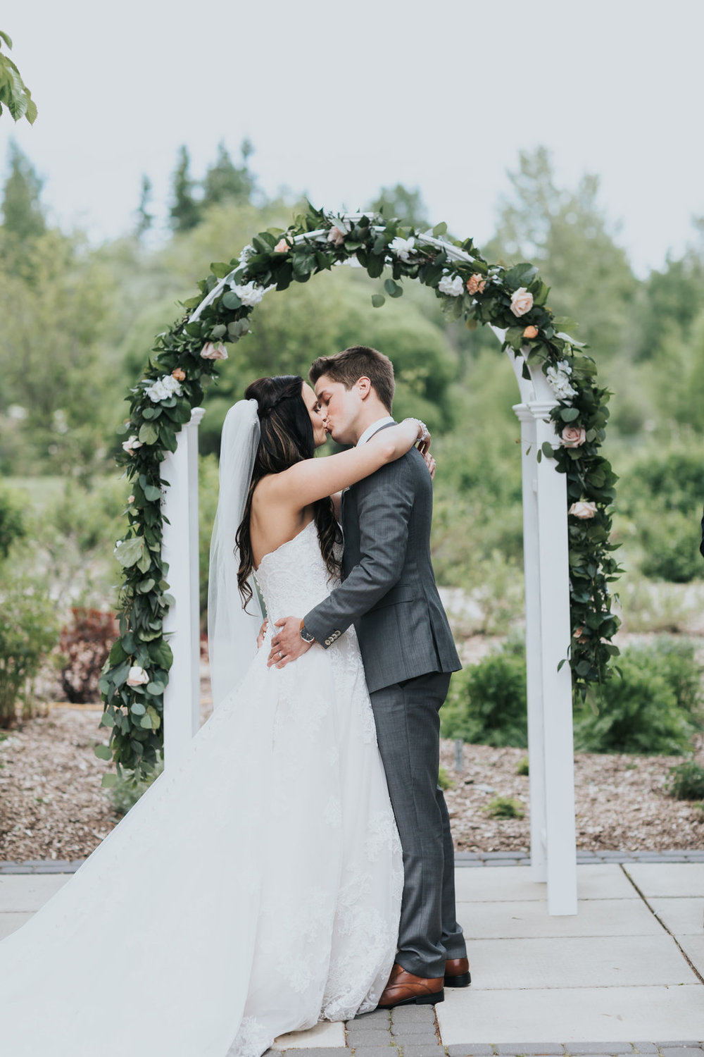 Kristy & Jharrid - Glamorous Garden - Photo Credits to ENV Photography