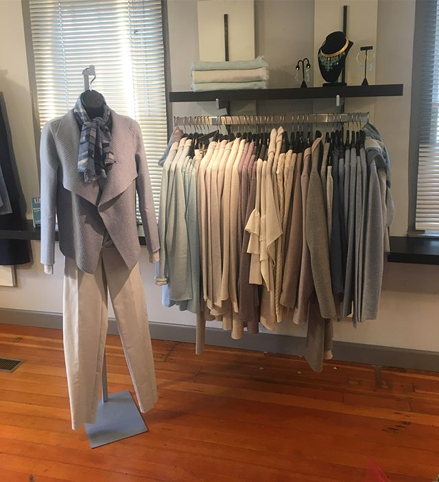 Do you know of a loved one with cashmere on their wishlist? Come down to TBC to get 20% off your cashmere with our Kinross Cashmere Resort Collection Trunk Show! ☃️❄️ Cashmere is the perfect present this season, come down and let us help you pick out the perfect gift!