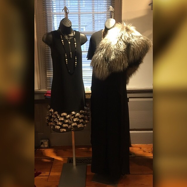 What's your New Years resolution? Our resolution is to dress you up in our metallic fur and sparkle you up in glamour. Be the star and drop your new look just in time for the new year! 🎇🧡 #newyear #greatstyle #holiday #2018 #newyearresolution