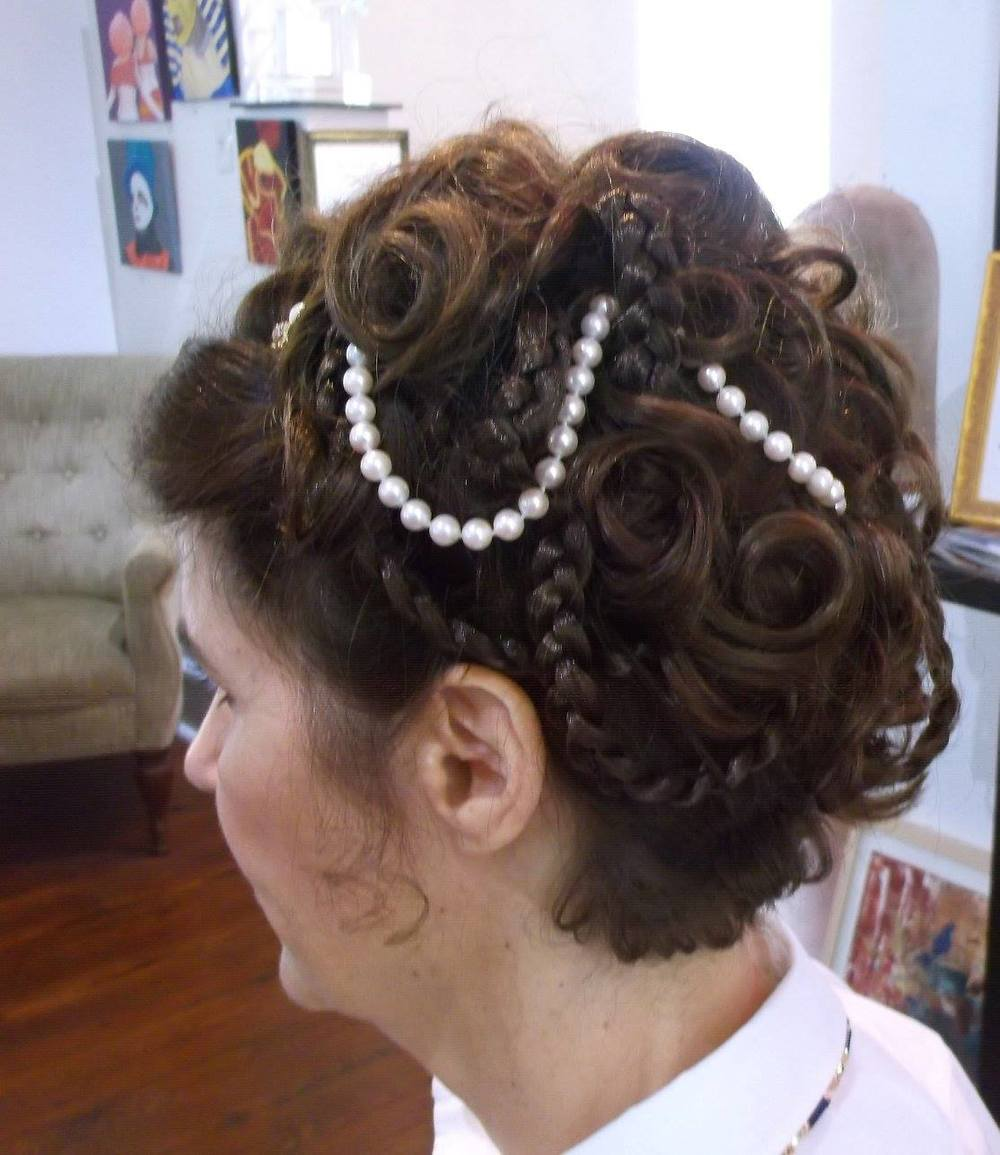 For the bride who holds nothing back when it comes to detail! | Hair:  Albert Brown Salon  |  Photo Credit
