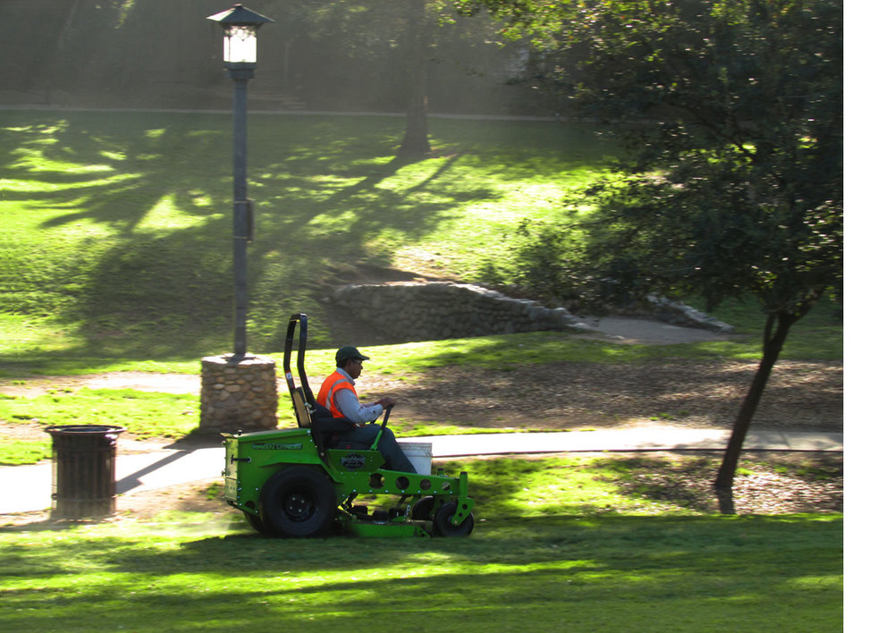 AGZA_equipment_Garfield_Park_04_padding.jpg