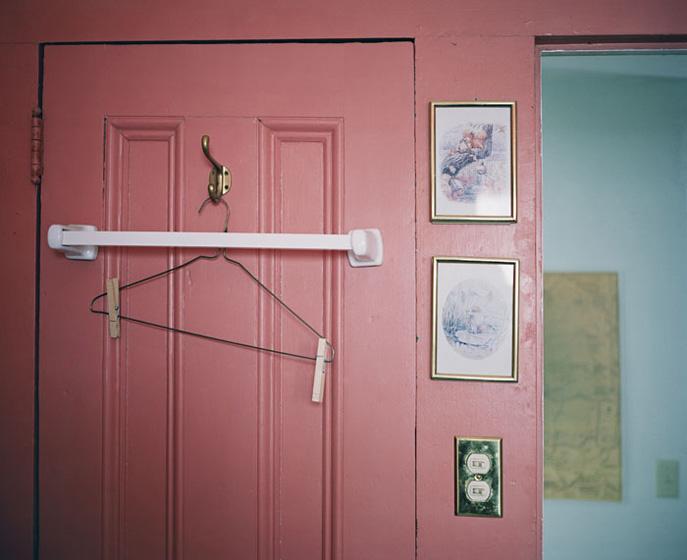 pink_hanger.jpg