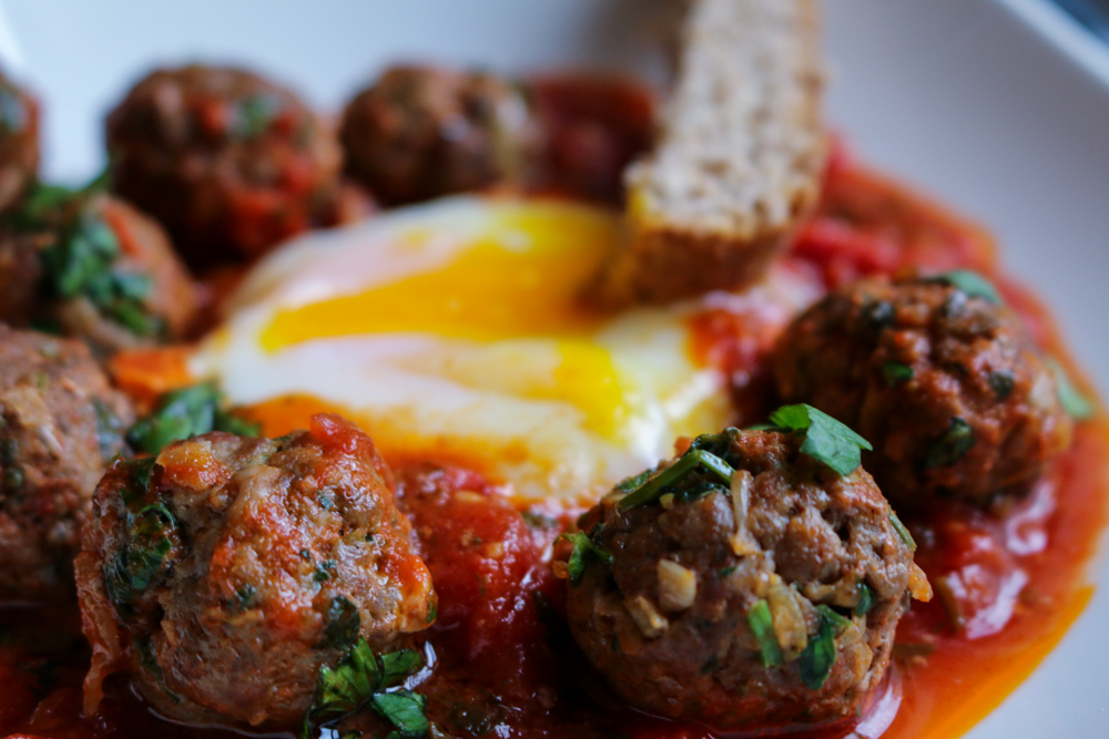 Shakshuka - Meatballs and eggs tagine
