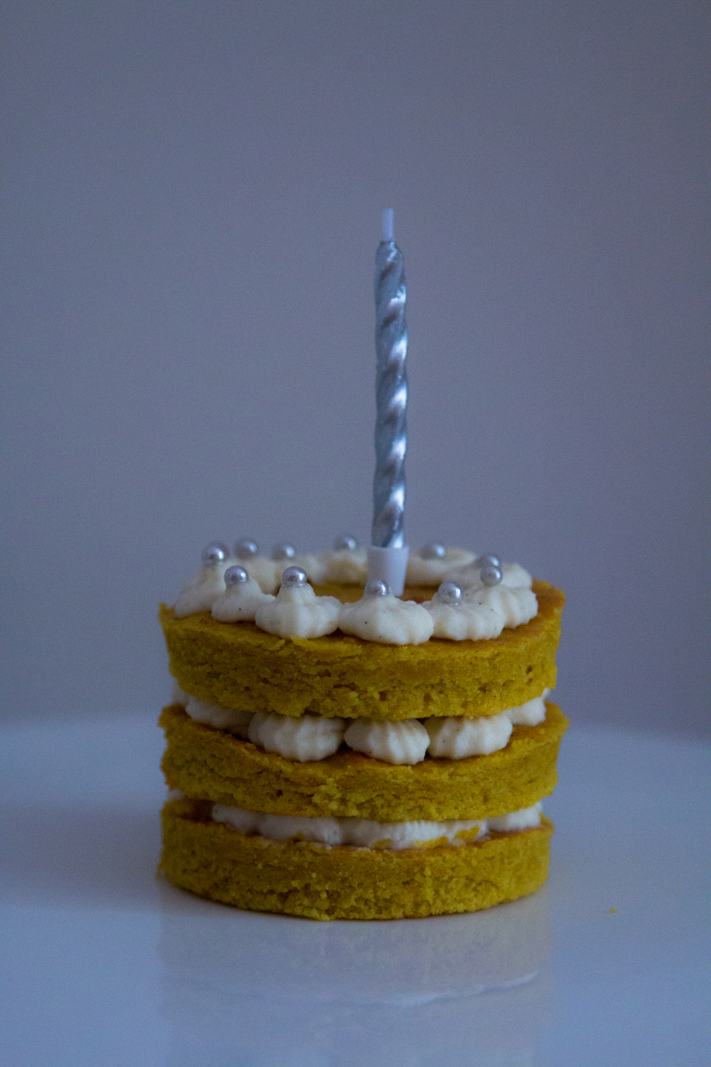 Turmeric tahini and honey mini cake 10.jpg