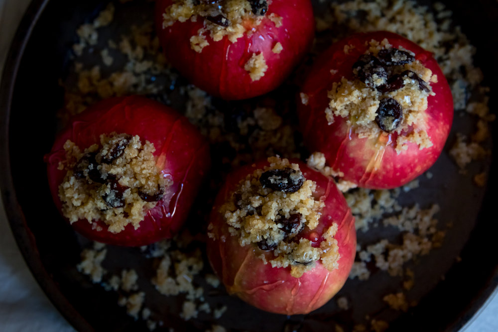 Stuffed baked apple -5.jpg