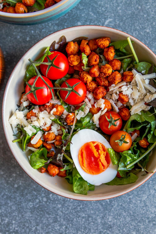 Crispy harissa chickpea ceasar salad -4.jpg