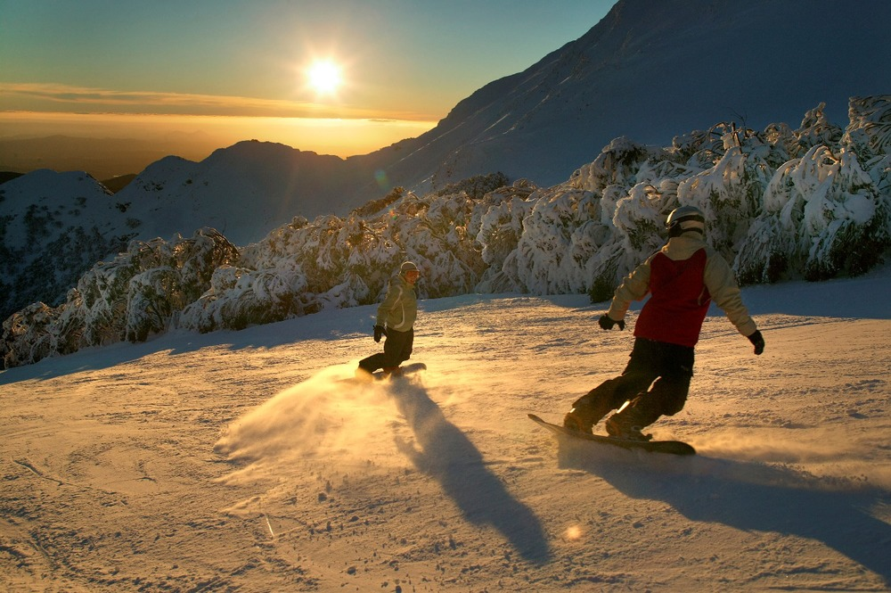 sunset-snowboarding.jpg