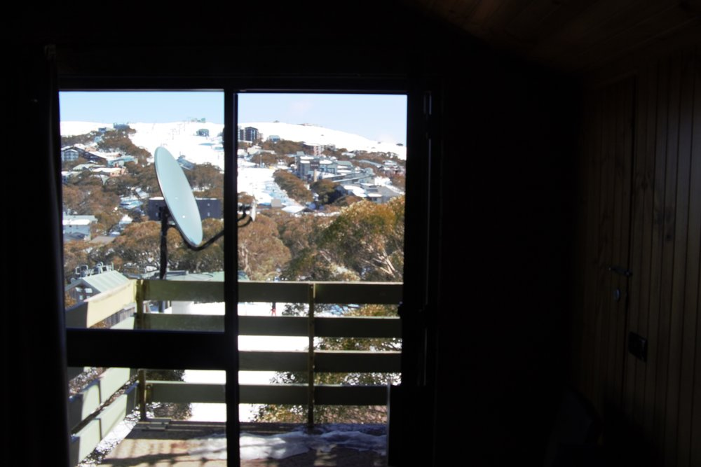 The Howqua Apartment - Sleeps 6Bedroom: 1 x double bedLiving Area: 2 x single bunk bedsFully self-contained with high ceilings and that alpine chalet feel, the Howqua apartment includes living and dining areas, a fully equipped kitchenette (no oven) and an ensuite bathroom with shower. There are also spectacular views of Mt Buller from the balcony.*PLEASE NOTE, THIS APARTMENT IS LOCATED OFF OF THE GAMES ROOM.