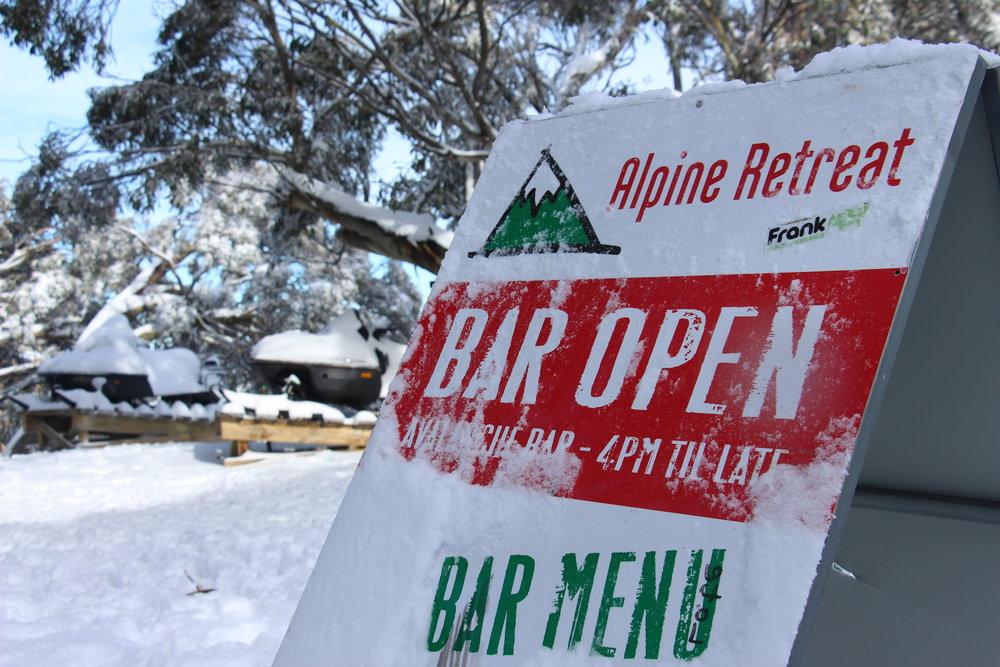 Off-Piste Bar at Alpine Retreat.JPG