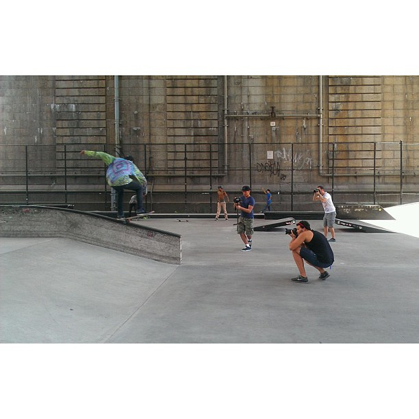 Behind the scene shots of the skate shoot today. #skate #les #nyc #nike @karlfernz @michael_mroczek photo: @chrisvidal