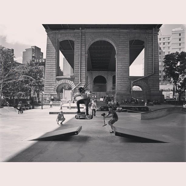 NYC LES INFAMOUS #infamousnyc #infamous #nyc #les #skate @karlfernz #nike