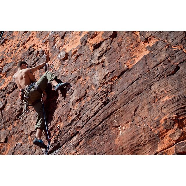 Jaysen climbing Gelatin Pooch. Red Rocks, Las Vegas, Nevada. #climbing #americasclimber #photography #fiveten