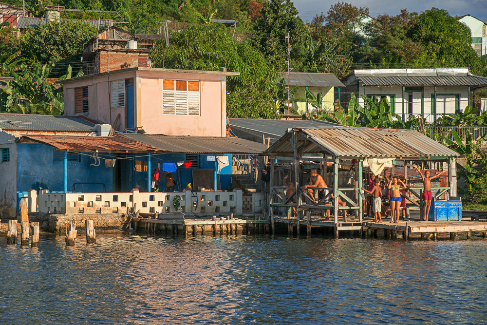 Kids on the Dock, Santiago Bay