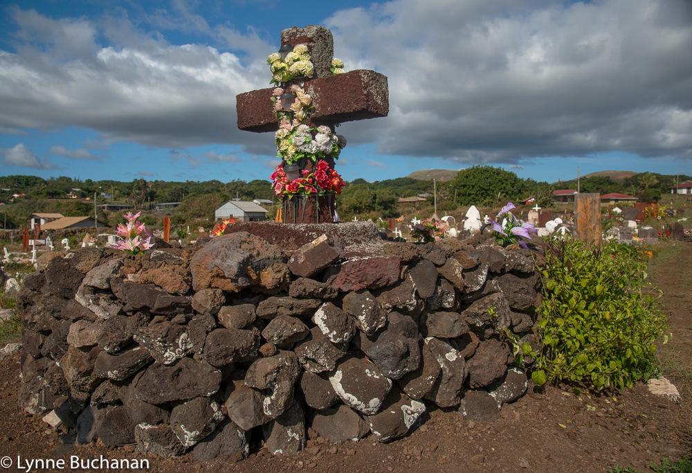 Grave with Pukao, Hanga Roa Cemetery