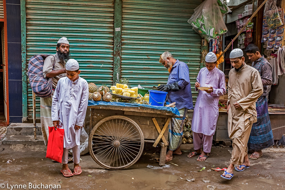 Old Dhaka, Pineapple Vendor