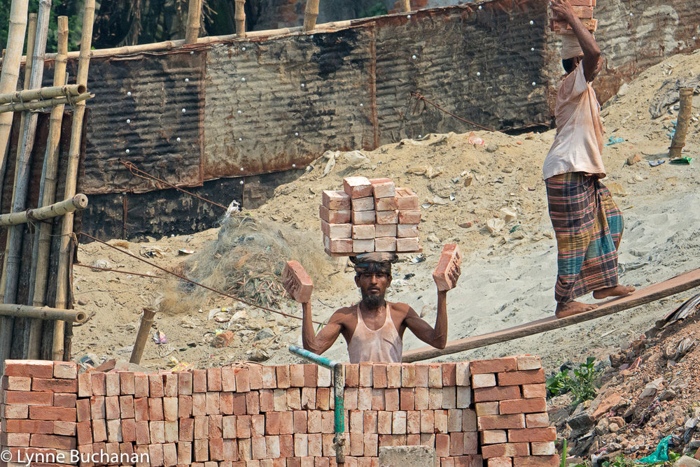 Bricklayers Balancing Bricks, Buriganga River