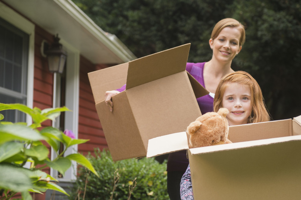 single mom and daughter moving