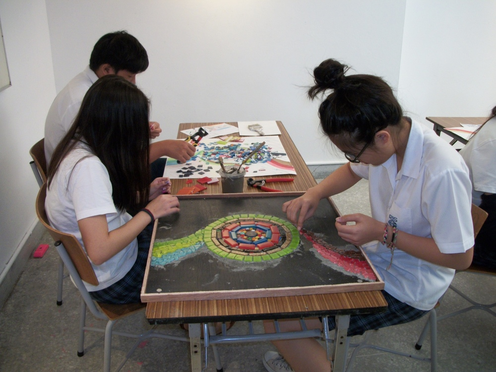 Ruamruhdee High School Art Students