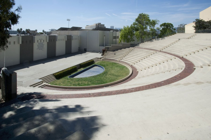 Santa-Monica-High-School-Theater-900x599.jpg