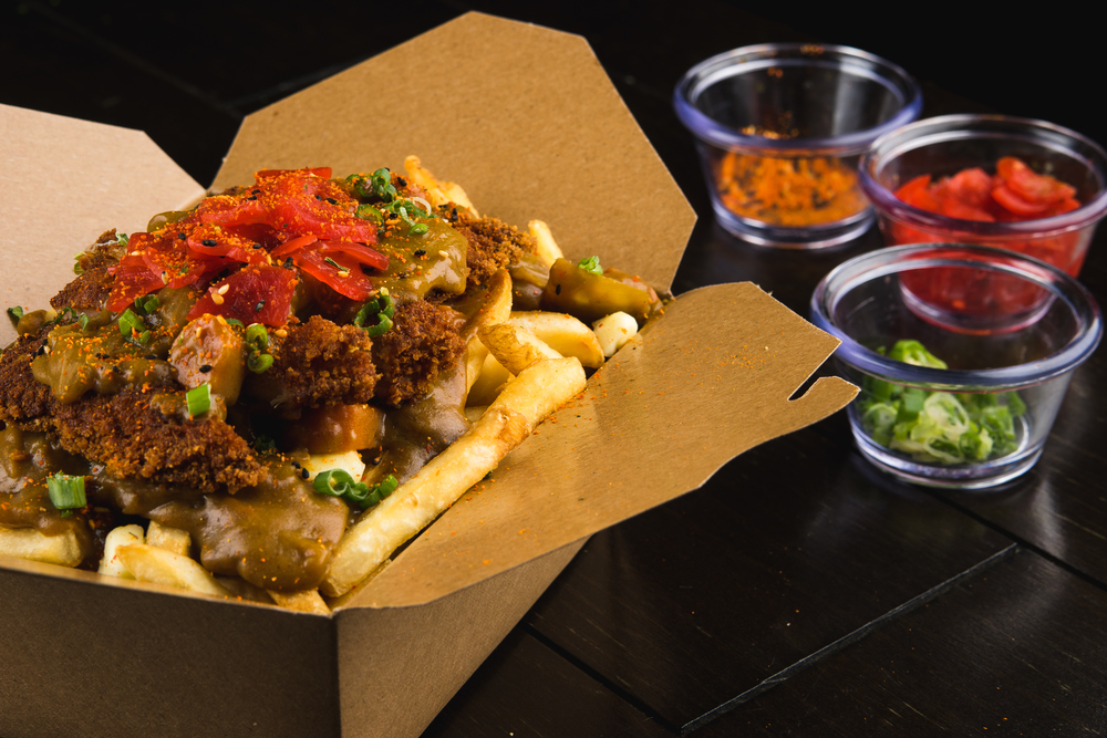 COUNTRY FRIED CHICKEN POUTINE