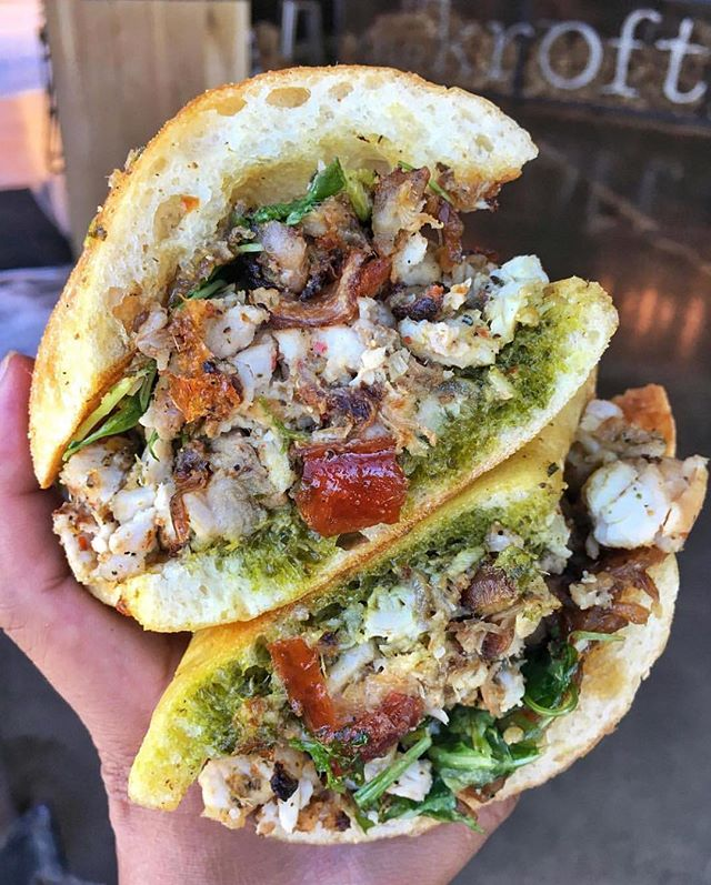 Come get our Porchetta today! It's made with pork belly, loin, cracklings, salsa verde, seasoned arugula, and caramelized onions, all on a ciabatta bread 🥖 It's the perfect meal for the first day of summer! ☀️🙌 #thekroft