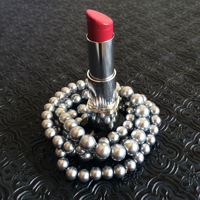 Revlon Ultra HD Lipstick In 'HD Petunia'