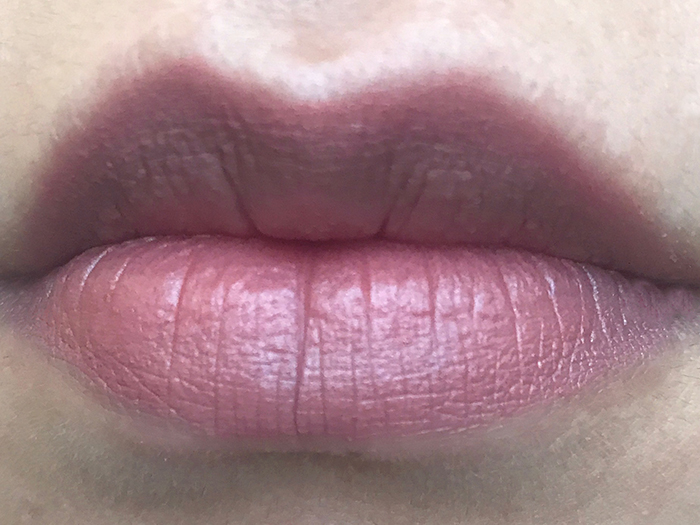 Charlotte Tilbury Matte Revolution Lipstick In 'Very Victoria'