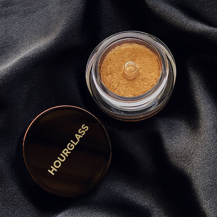 Hourglass Scattered Light Glitter Eyeshadow In 'Foil'