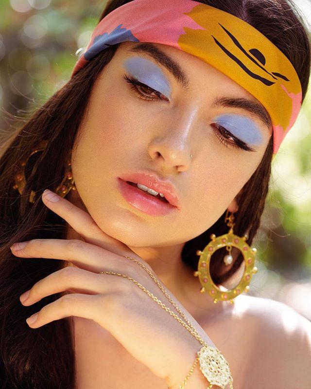 The @ciarasilke Brooklyn Daisy which is one of our new midi scarves collection is featured in Ellements magazine this September  #silkscarves #london #stylist #silk #ciarasilkeclassics #lovecolour  CREDITS:  BOHO BEAUTY Photographer: @laurenmarshphotography / Lauren Marsh  Stylist: @aestheticcandy / Aesthetic Candy - Karine Jones  Stylist Assistant: @_doraart / Dora udvardi  Makeup Artist: @eafaussetmakeup / Emily Alvarez Fausset  Model: @emmalcandon / Emma Candon