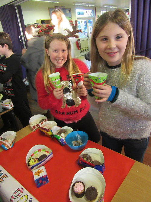 Year 6 made sweet boxes and cake boxes for the school Christmas fair. We had lots fun both making and selling them. They all sold out very quickly. What a super afternoon!