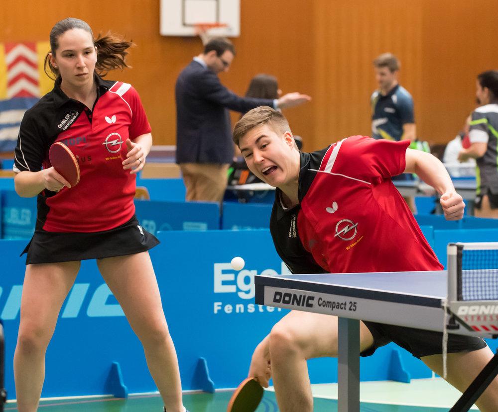 Rijana Zumbrunnen und Cédric Tschanz beim Mixed-Doppel (Foto: René Zwald)