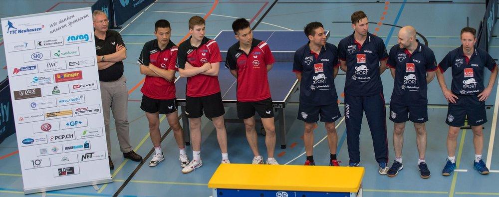 Die beiden Mannschaften (Foto: René Zwald)