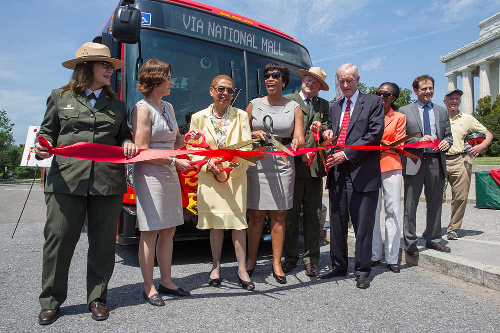 Washington, DC  / Representative Eleanor Holmes Norton (D-DC) and Mayor Muriel Bowser celebrate the opening of a new bus line through the National Mall.