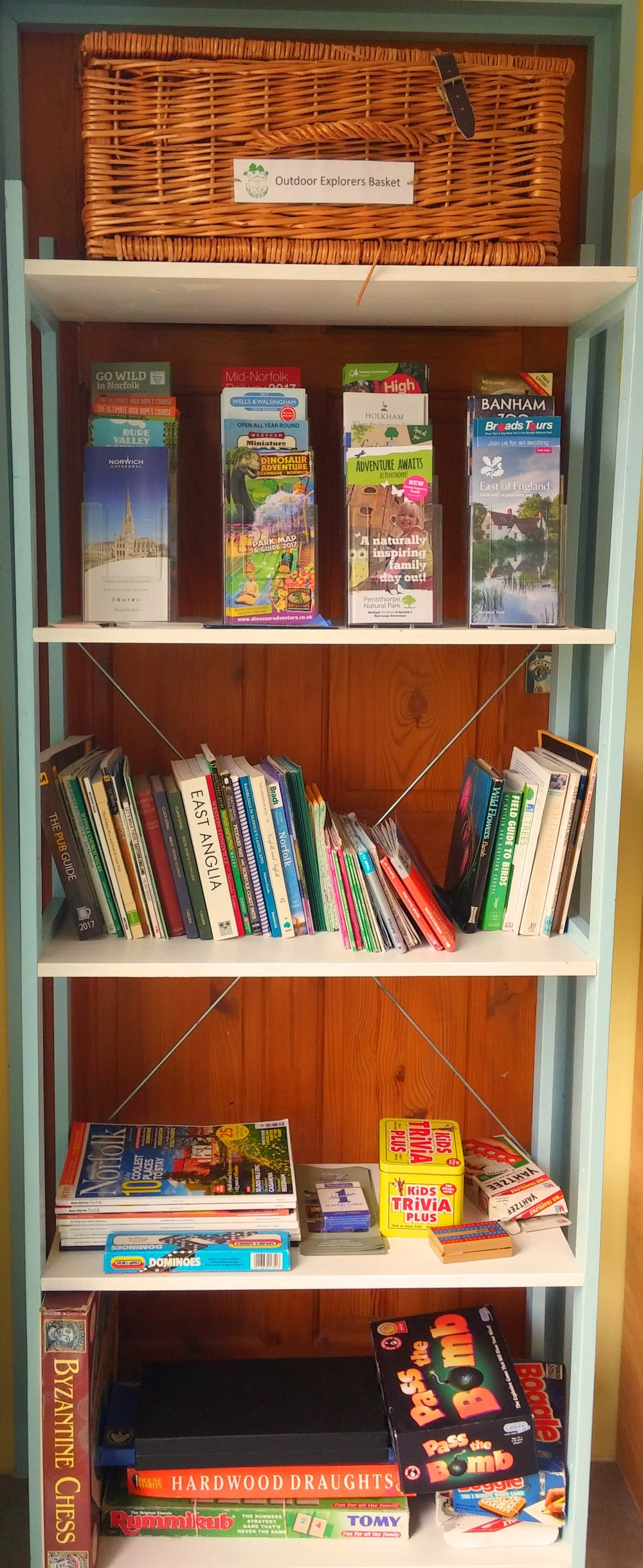 leaflet shelves.jpg