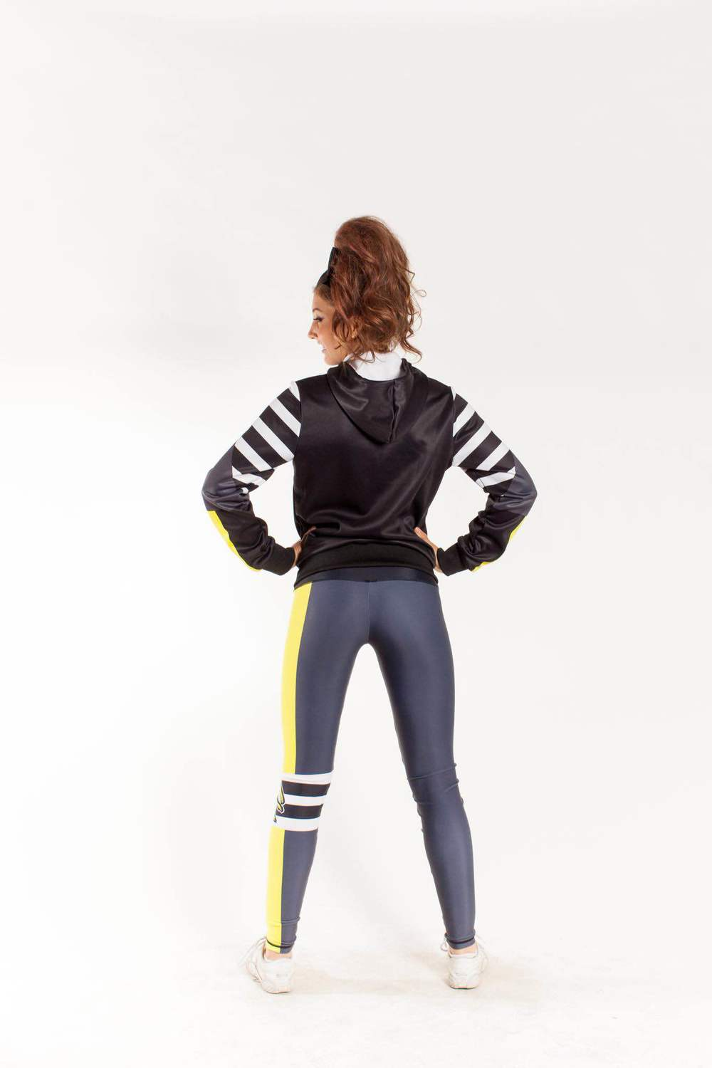 ziphoodie_leggings1.JPG