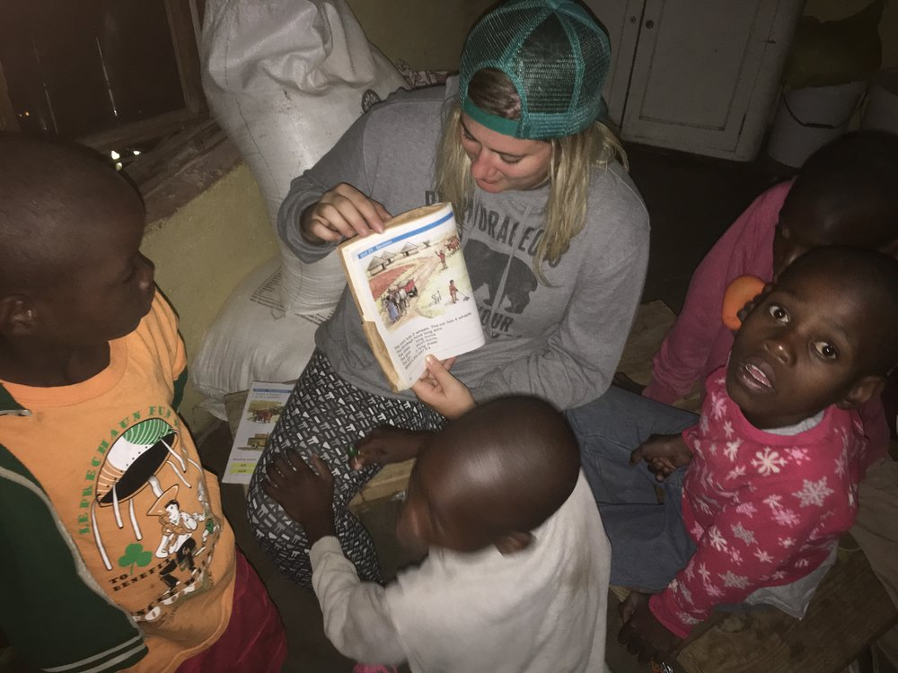 Jill reading to the kids!