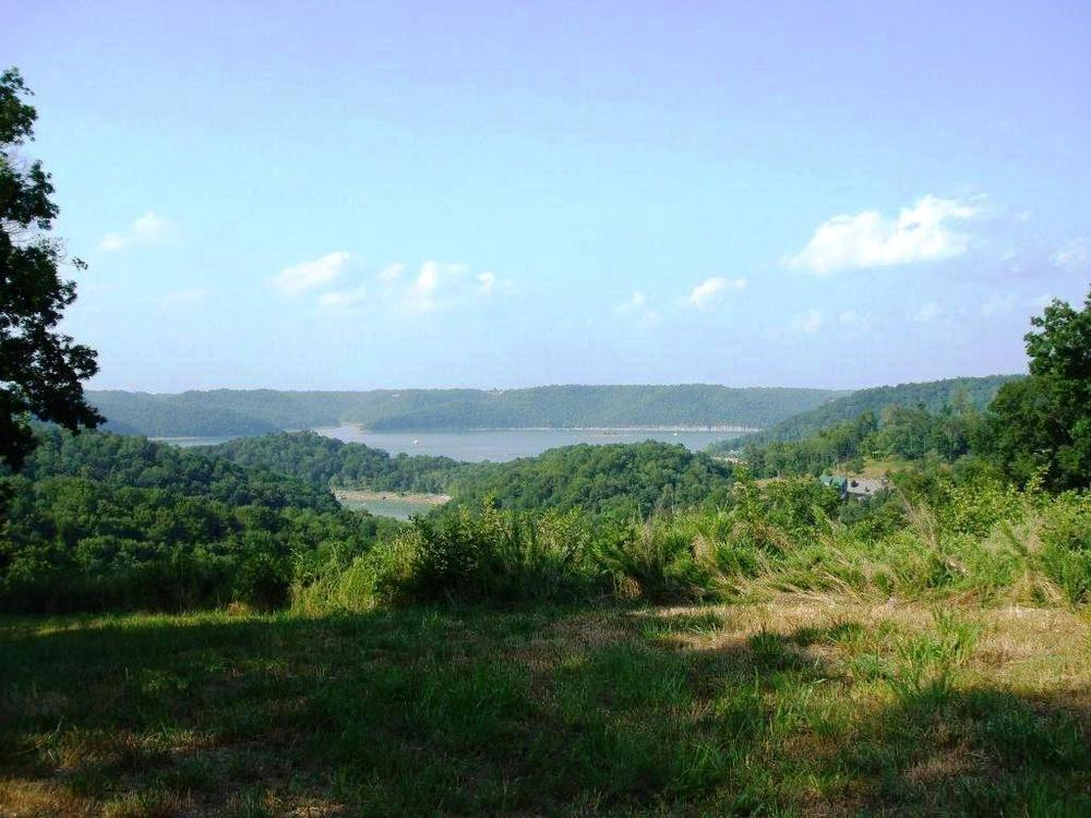Center Hill Lake_awesome view.jpg