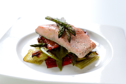 salmon with roasted veg