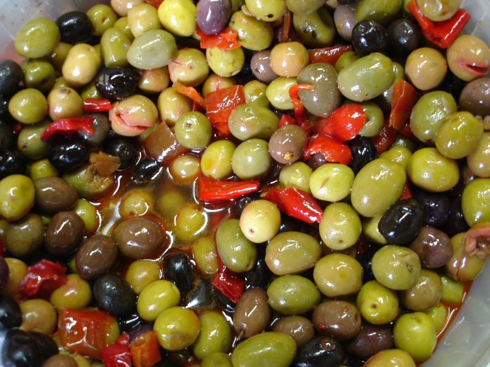 olives are a tasty and brilliant source of filling and brain-focusing fats - mixed, stuffed with anchovies or with feta cheese, they won't let you down!